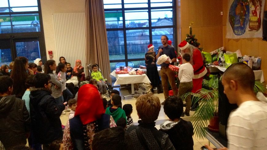 L'association Maison 24 a offert des cadeaux à une soixantaine d'enfants