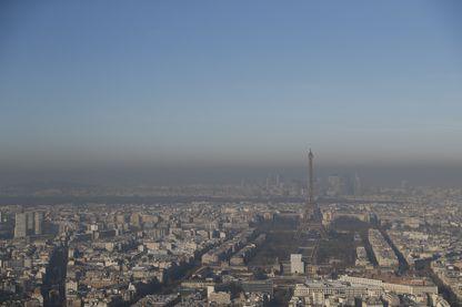 En raison de la persistance de la pollution aux particules et au dioxyde d'azote sur Paris, la circulation alternée est en vigueur depuis mardi 5 décembre matin