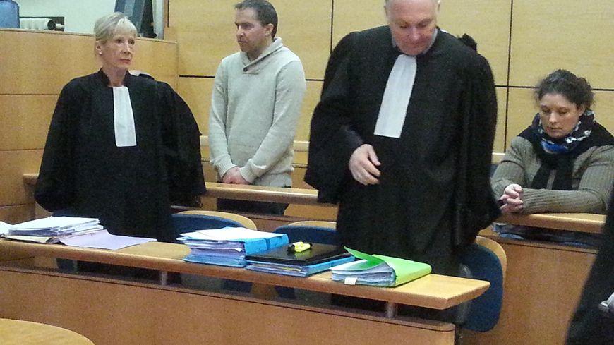 Daniel Trey et Karine Barboure avec leurs avocats
