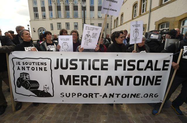 Manifestation de soutien à Antoine Delcourt au Luxembourg en avril 2016