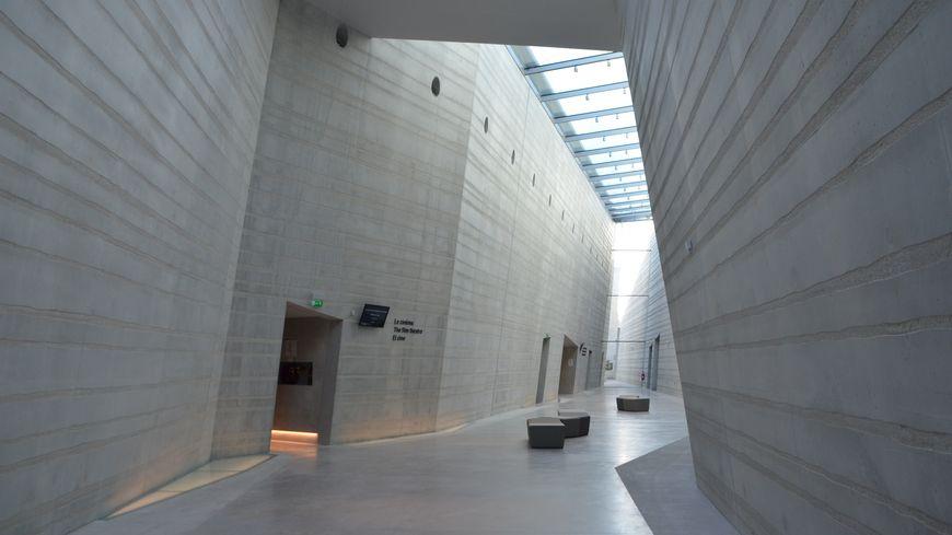 """La """"faille"""" au centre du bâtiment de Lascaux 4"""