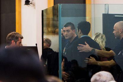 Procès Affaire Fiona verdict, dernier jour, fin de l'audience juste après le verdict, de dos Berkane Makhlouf et Cécile Bourgeon, Riom le 25/11/2016.