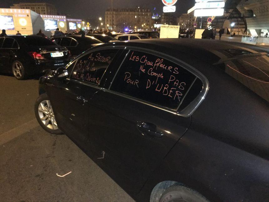 Uber cristallise les critiques des chauffeurs.