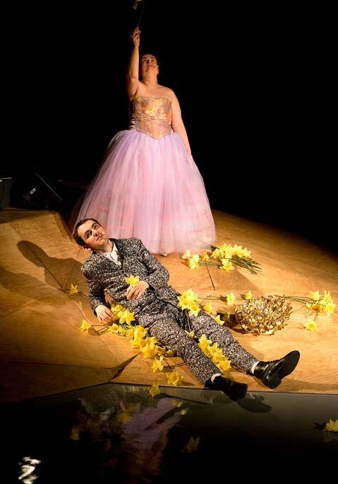 Guillaume Drouadaine et Christelle Podeur dans Ludwig, un roi sur la lune