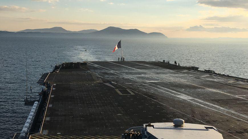Photos Les 2 000 Marins Du Porte Avions Charles De Gaulle De