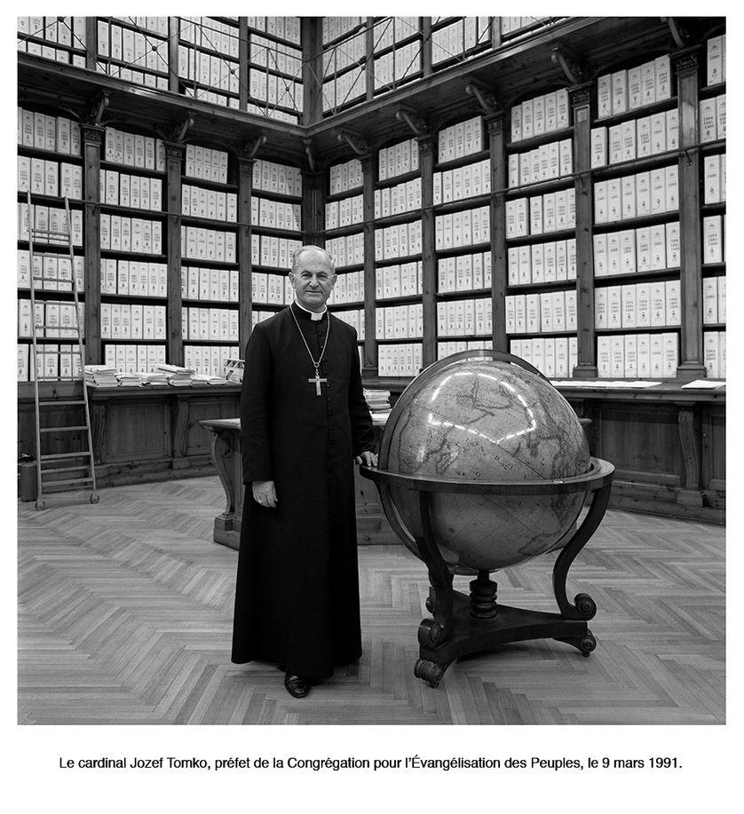 """Photographie de Max Armengaud de la série """"Un portrait de la Cité du Vatican, 1990-1991"""""""