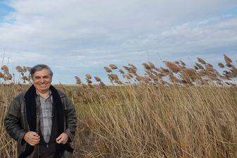 Jean-Marie Gilardeau (président de l'association syndicale des marais de Saint-Agnant et de Saint-Jean-d'Angle) devant le marais de Brouage (Charente-Maritime)