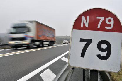 la RCEA, la RN 79, un tronçon de 130 kilomètres qui relie Moulins dans l'Allier à Mâcon en Saône et Loire.