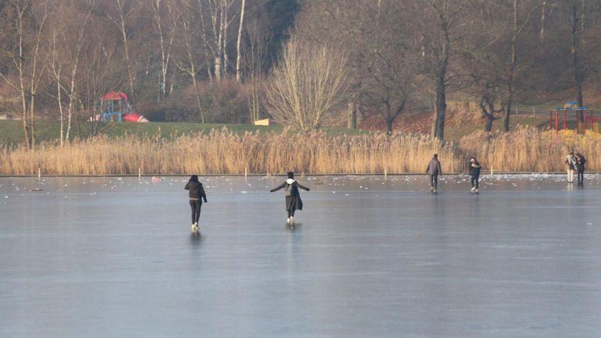 Jeudi, des membres du collectif du lac ont alerté les autorités.