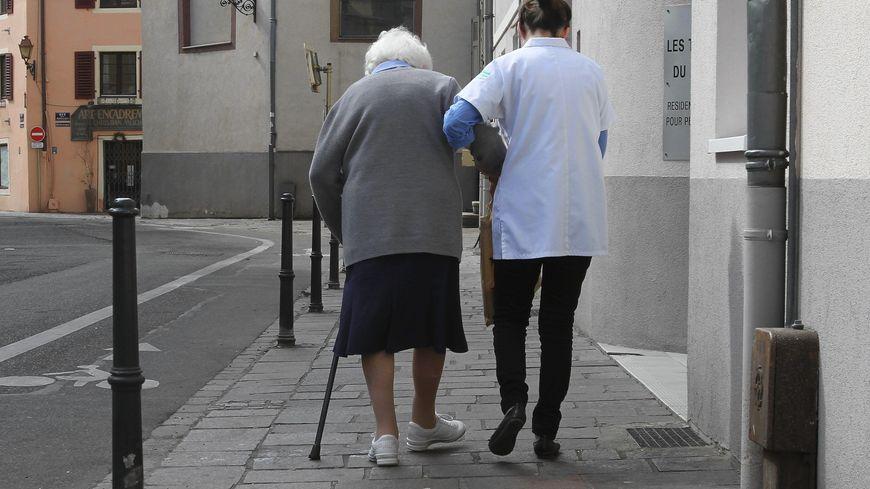 Le gros enjeu d'avenir, c'est la formation et la rémunération des personnes qui interviennent auprès des gens âgés