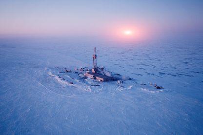 Plateforme d'extraction de pétrole en Arctique