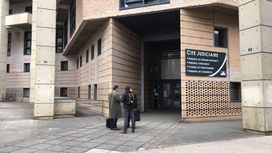 Le tribunal correctionnel de Dijon jugeait ce lundi 7 jeunes opposants à la Loi Travail
