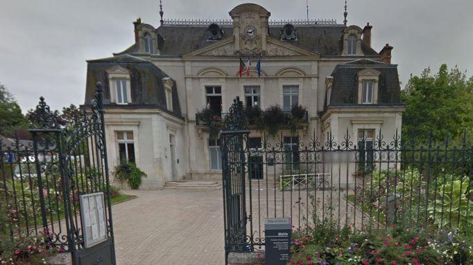 La mairie d'Olivet, deuxième ville du Loiret.