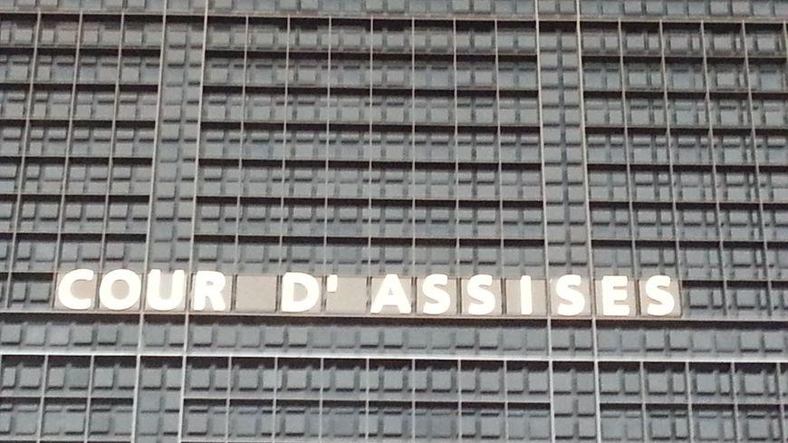 Le procès devant la cour d'assises de Loire-Atlantique est prévu pour durer jusqu'au vendredi 27 janvier.