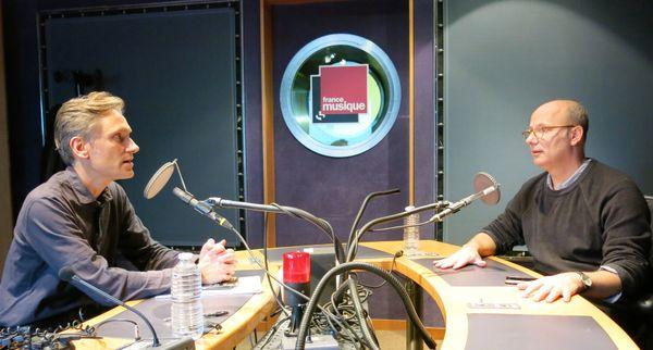 France Musique, studio 142... le producteur Philippe Venturini & Esteban Buch, directeur d'études à l'Ecole des Hautes Etudes en Sciences Sociales de Paris (de g. à d.)