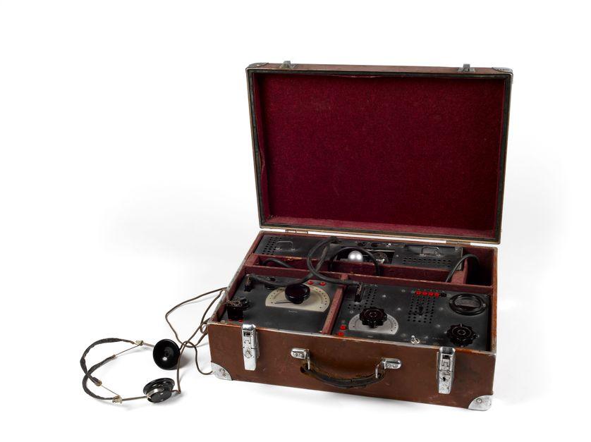 Émetteur-récepteur type SE 90/40, utilisé pour la mission Carthage, Seconde Guerre mondiale