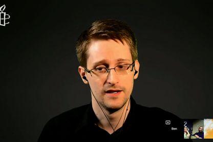 Snowden s'est adressé aux hackers depuis Moscou où il est toujours bloqué
