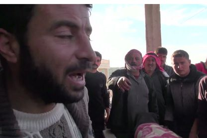 """Capture écran de """"Syrie : la révolution confisquée"""" de Paul Moreira"""