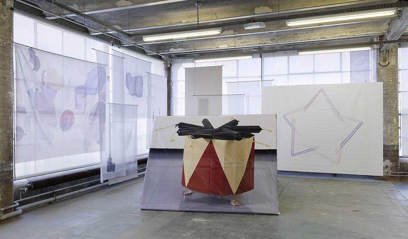 Vue de l'exposition Ana Jotta, TI RE LI RE, le Crédac, 2016. Photographie : André Morin / le Crédac
