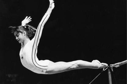 Nadia Comaneci le 19 juillet 1976 aux Jeux olympiques de Montréal.