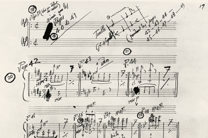 "Extrait du manuscript de la partition de ""Parade"" d'Eric Satie"