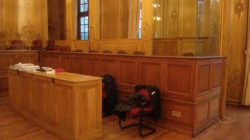 Le box des accusés à la cour d'assises de Meurthe-et-Moselle