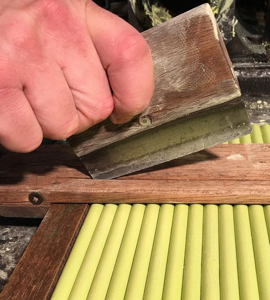 Le Découpage : Le pastel est composé de blancs et de pigments employés traditionnellement dans la fabrication de produits beaux-arts - Aucun(e)