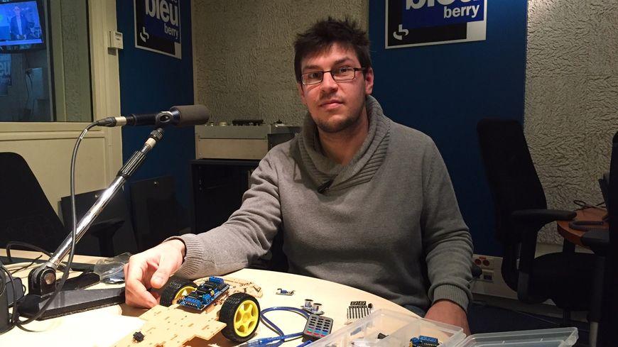 Bastien Cornu sera l'un des animateurs du club et apprendra aux jeunes toutes les étapes de la fabrication d'un robot.