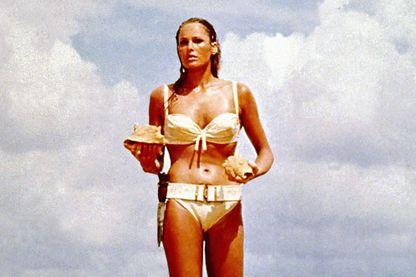 Ursula Andress dans James Bond contre Dr No