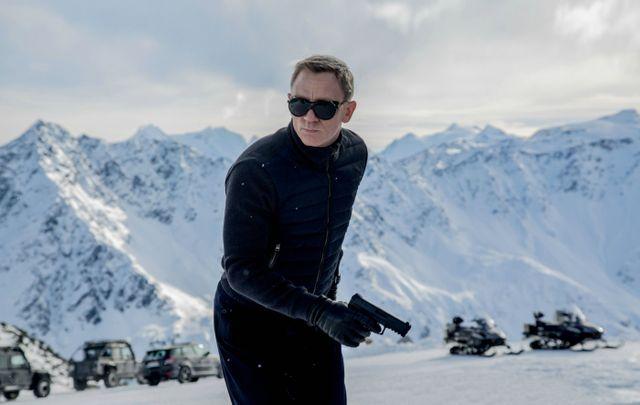 """Daniel Craig portant les lunettes Vuarnet dans """"Spectre"""" de Sam Mendes (2015)"""