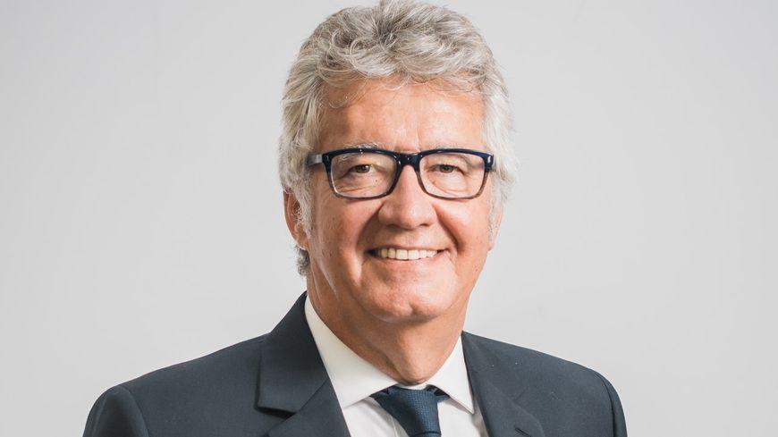 Bernard Reynes, député maire de Châteaurenard