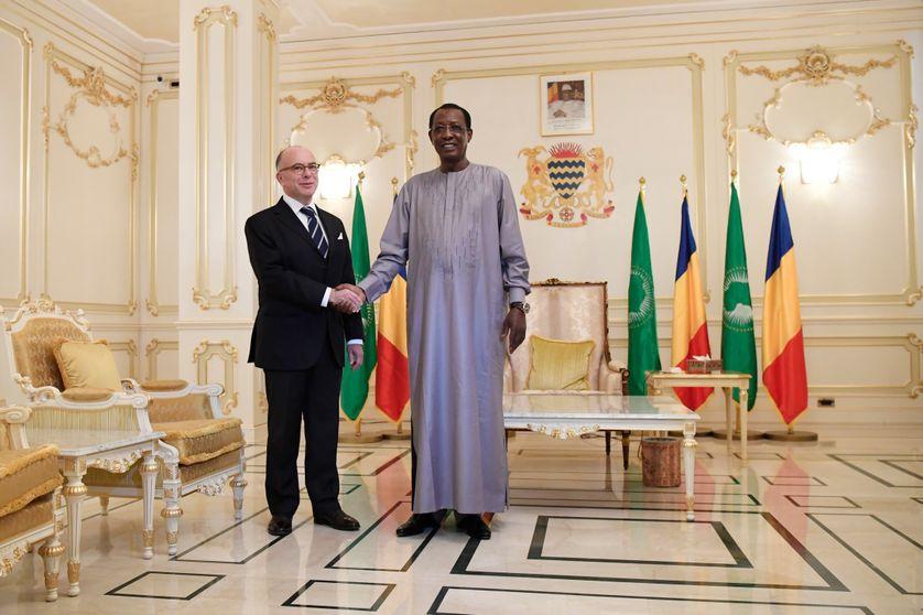 Le président tchadien Idriss Deby Itno reçoit le premier ministre français en visite au palais présidentiel, la semaine dernière à N'Djamena