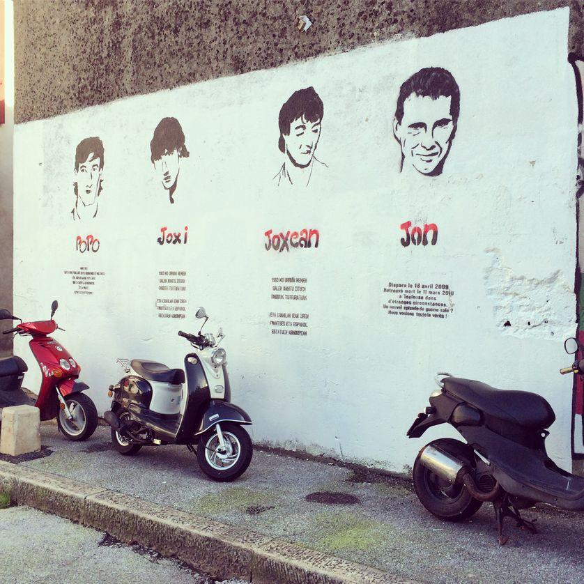 Prisonniers d'ETA sur un mur du Petit-Bayonne