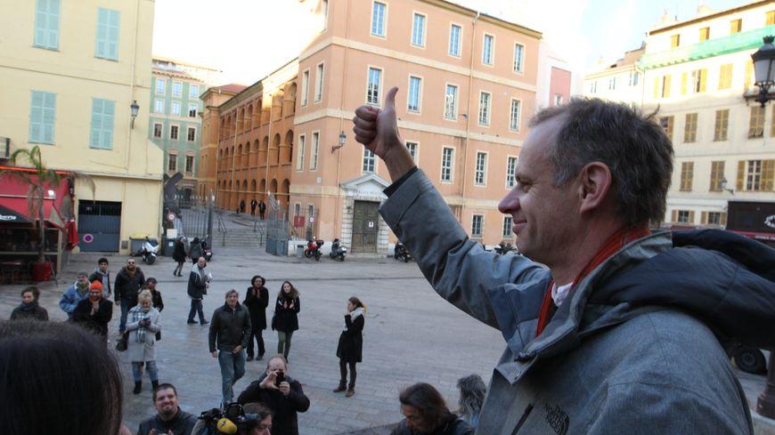 L'enseignant Pierre-Alain Mannoni à sa sortie du palais de justice de Nice