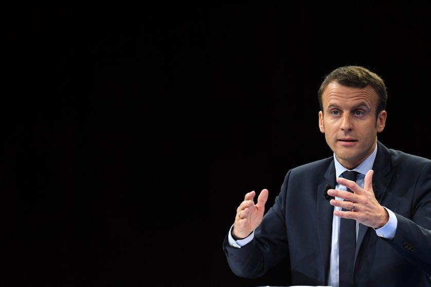 Emmanuel Macron lors d'un meeting à Paris le 10 décembre 2016