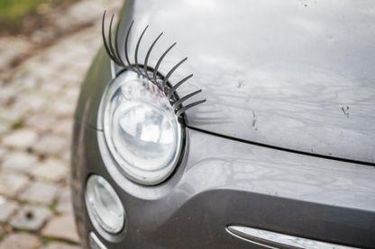 La beauté des voitures, ça passe par les yeux, pardon, les phares