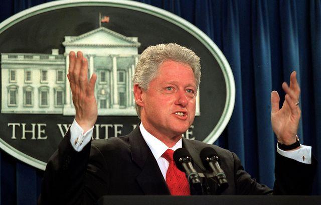 Bill Clinton annonce un échec à Camp David