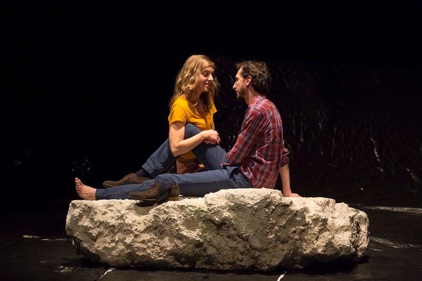 Où les coeurs s'éprennent, mise en scène de Thomas Quillardet, au théâtre de la Bastille