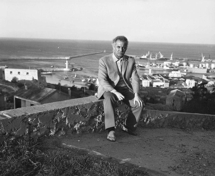 Georges Brassens au cimetiere des Pauvres de Sete a la fin des annees 70