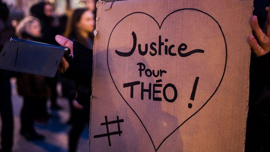 """Les manifestations contre les violences policières se multiplient depuis """"l'affaire Théo"""""""