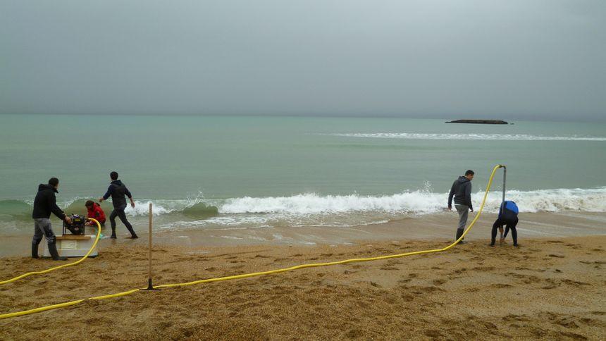 Pose de capteurs sur la grande plage de Biarritz