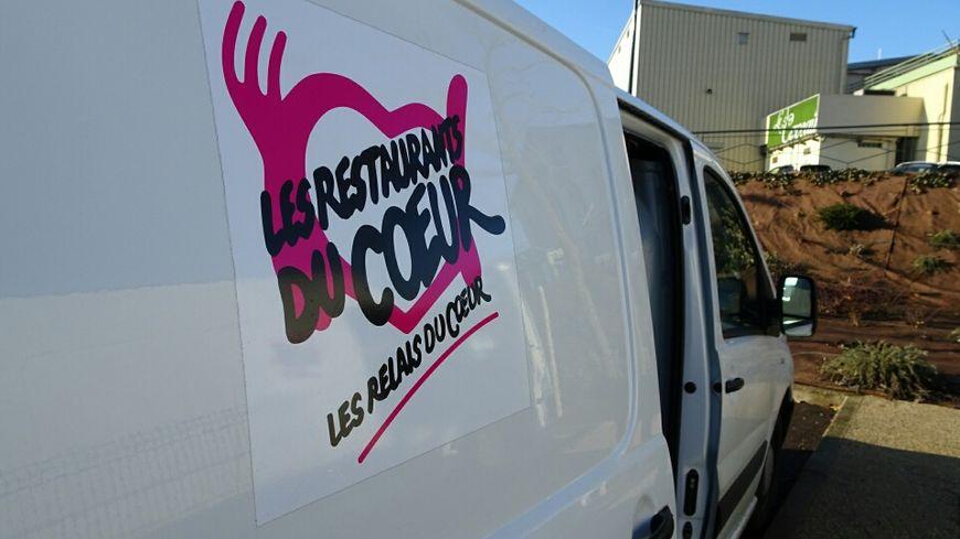 Les camions des restos du coeur font trois tournées par semaine, dans l'Yonne.