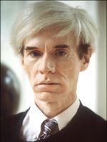 Portrait d'Andy Warhol à Milan en 1984.