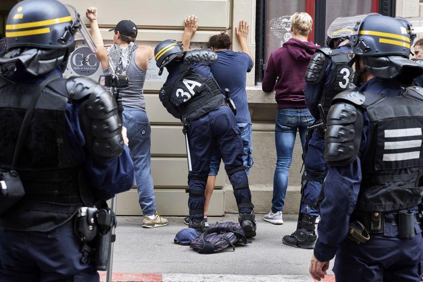 Le maintien de l'ordre peut-il se passer de violence ?