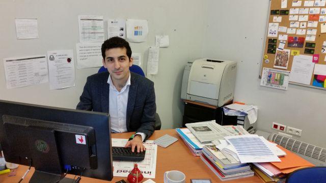 Ali Celik est responsable de la pépinière d'entreprises de la Courneuve.