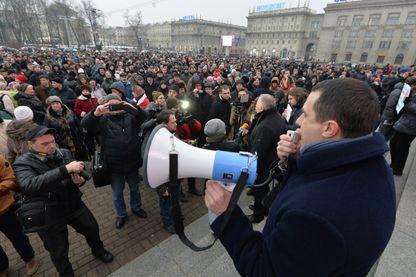 """L'opposant politique bielorusse Pavel Severinets lors de la """"Marche des Biélorusses en colère"""" à Minsk, 17 février 2017"""