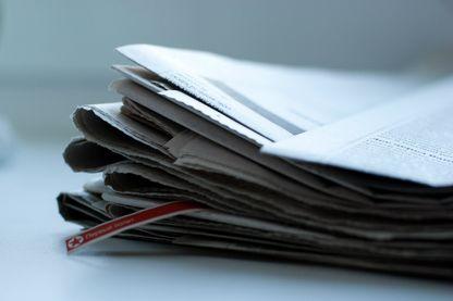 """Correctrice pour le journal """"Le Monde"""", Muriel Gilbert traque les fautes et astique le vocabulaire avant le tirage du journal"""