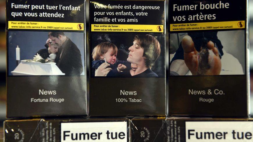 La lame de 6 centimètres a été arrêtée par le paquet de cigarettes