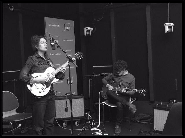 Jesca Hoop accompagnée de Tom Goodwyn au studio 611.
