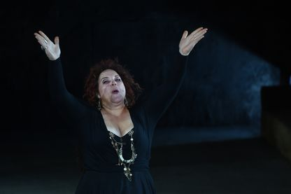 """La contre-alto Marie-Nicole Lemieux dans """"Il trovatore"""" de Giuseppe Verdi aux Chorégies d'Orange, le 29 juillet 2015"""